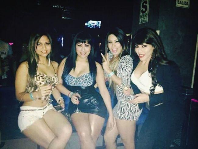 Salida con mis amigas, noche muy divertida Latina Friends Party Party Girls