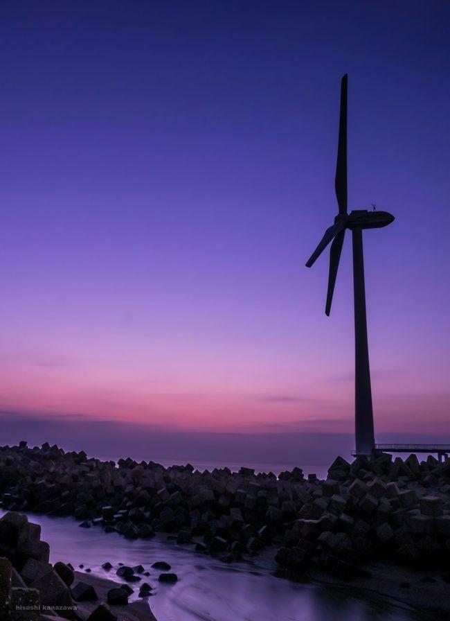 早く紅葉撮りに行きたい!終わっちゃう! Sea Seascape Breaking Dawn Skyscrapers The Sky At Daybreak Landscape_photography Photography Silhouette Edit
