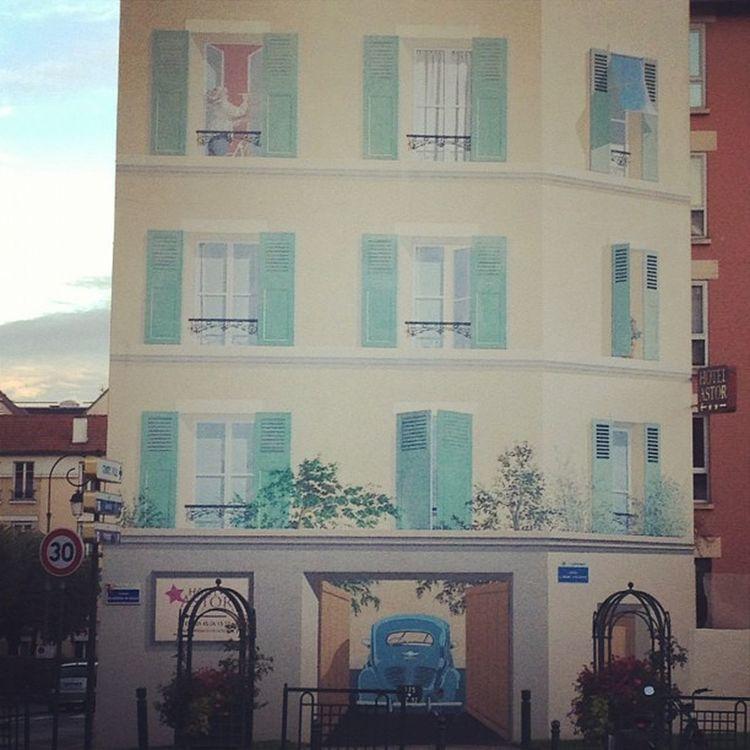 Immeuble en trompe l'œil Paris 4cv Renault