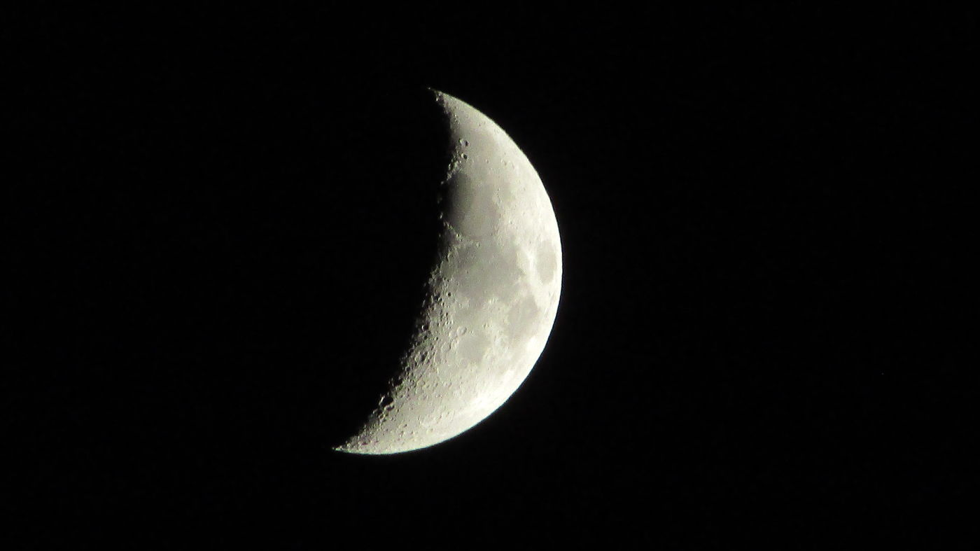 Taking Photos Been A While Beautiful Moon Tonight Up Close And Personal Craters Cadillac Sky Pure Michigan