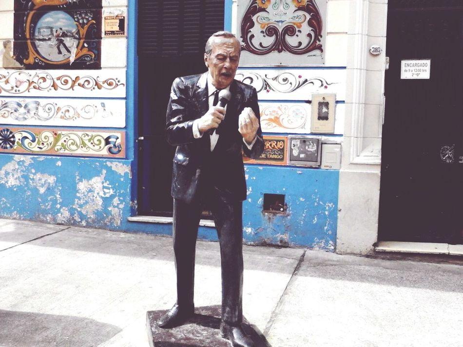 Escultura Tango Life Paseo De Tango cantantes y músicos en el abasto