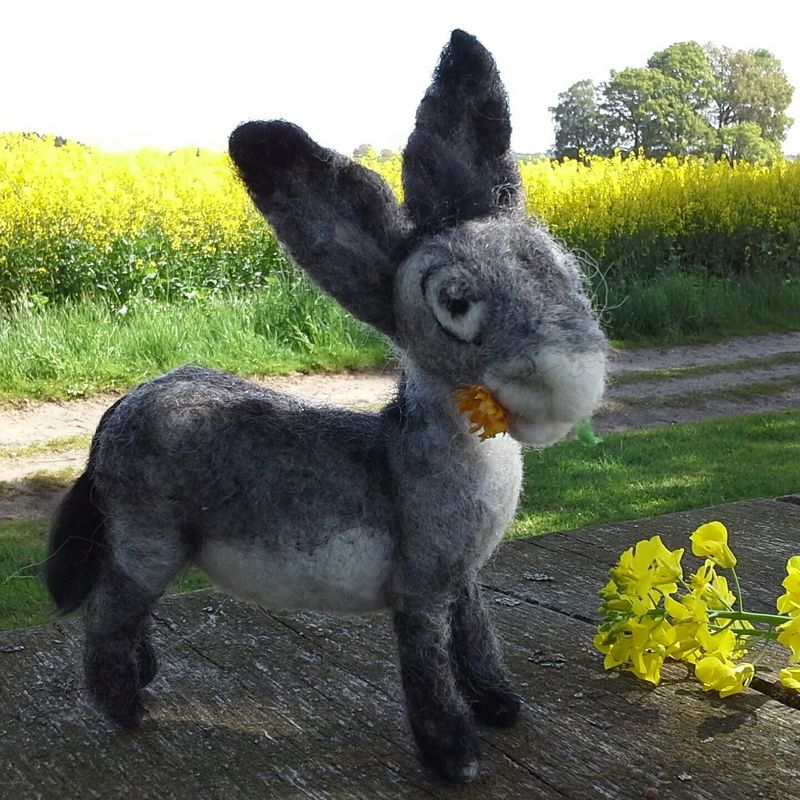 Newborn , Donkey ,Esel On The Farm Enjoying Life Needlefelting Spring Flowers