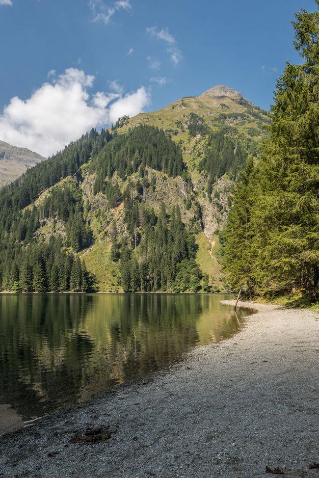 Ufer Schwarzensee Berge Bergsee Blau Grün Himmel Idylle Schwarzensee See Steiermark Steine Ufer Wald Wandern Wasser Weiss Wolken Österreich