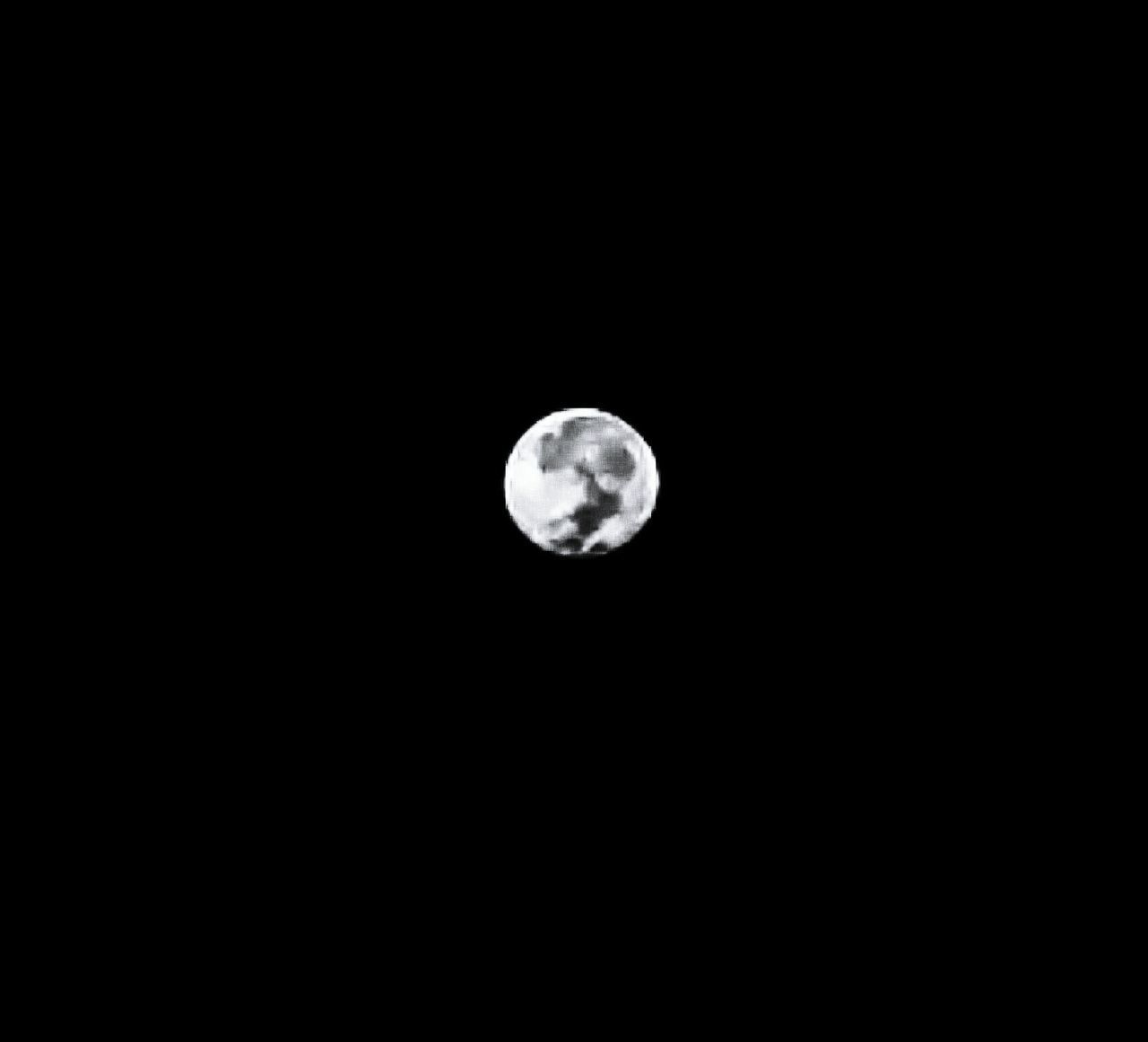 Hi kiddo! LGG4 Philippines Athome  Earlymorning  Othersideofmoon Full Moon EyeEm Photography Capture The Moment Craters Moonload Learn & Shoot: After Dark The Magic Mission