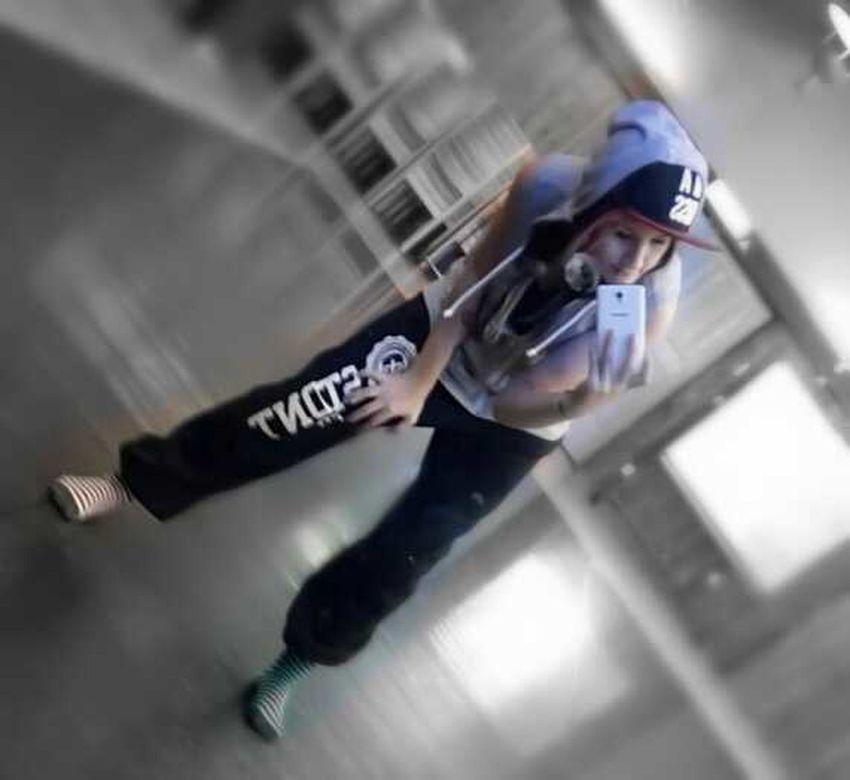 Street Dance Girl! Enjoying Life