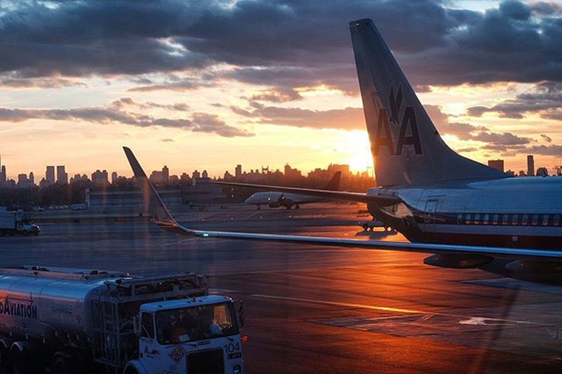 Even though I got bumped off the plane by another other standby customer, still made the most of my time at the airport LGA Americanairlines Sunset Getoutandshoot Fujifimxt1 56mm Airport