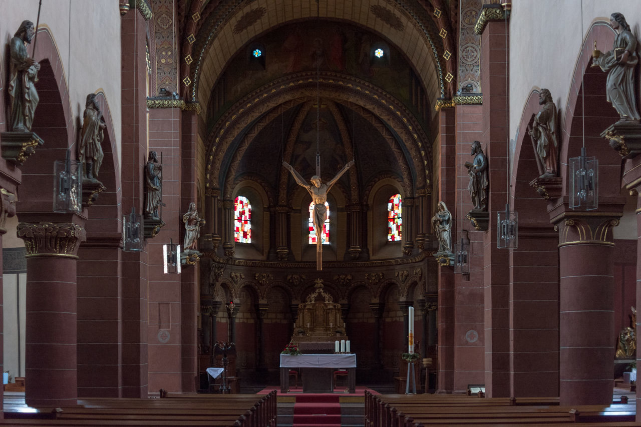St. Peter, Merzig Altar Apsis Architectural Column Architecture Architecture Bogen Building Built Structure Chor Church Deutschland Germany Indoors  Kirche Kreuzberg No People Place Of Worship Religion Romain  Romanik Romanisch Saarland Spirituality St. Peter Merzig Säulen