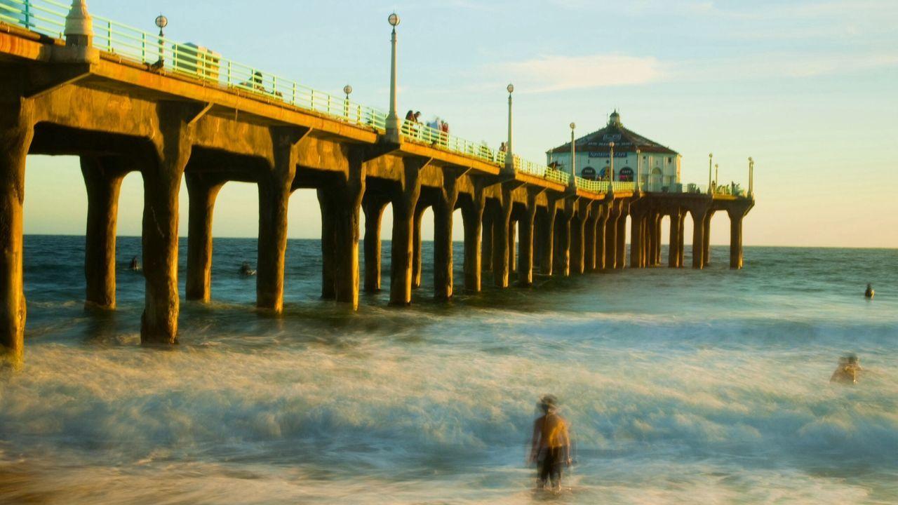 Waves And Manhattan Beach Pier At Dusk