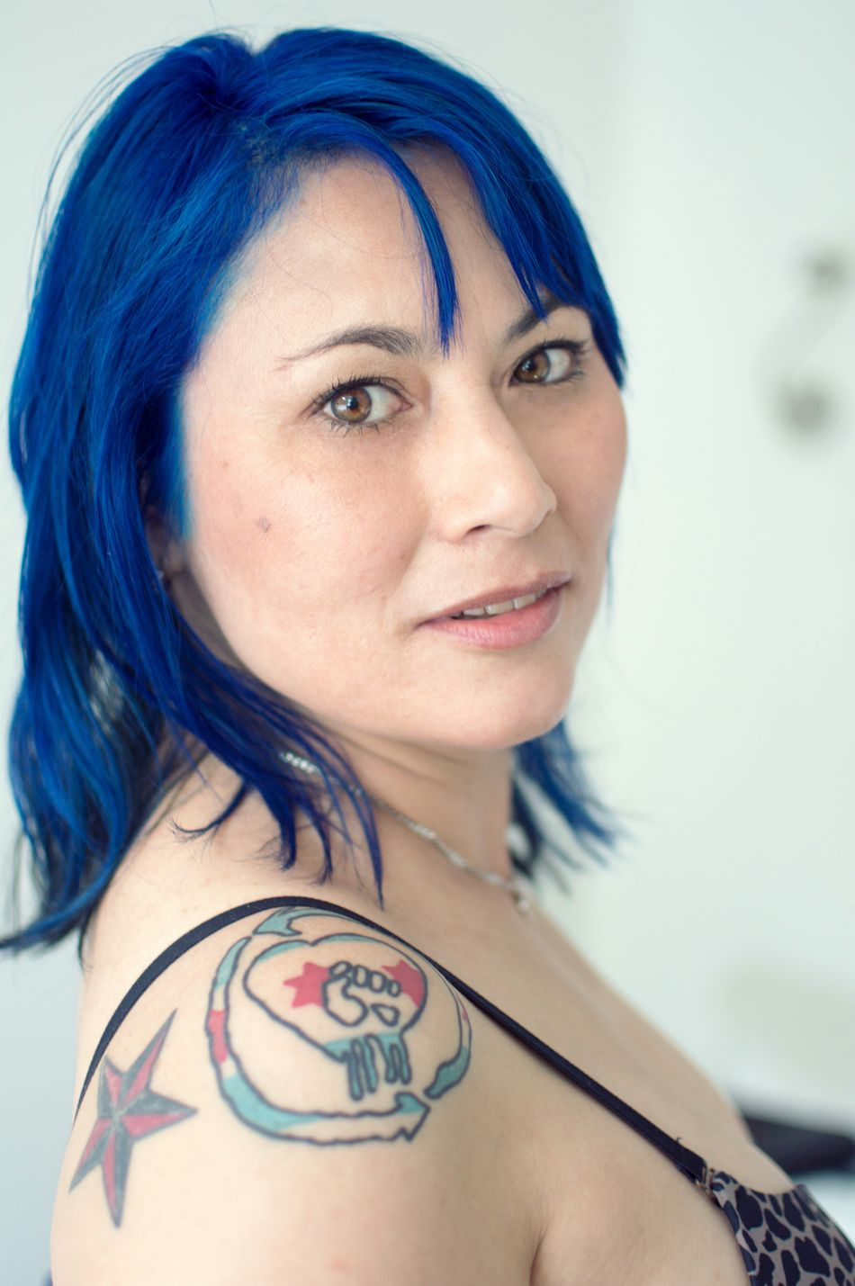 "The lovely Kimberly is her coming up set ""Azure"" live on SG in just over a month! SuicideGirls Alternativemodel Gorgeous Girls With Tattoos Sgaustralia Blue Hair Portrait Sghopeful"