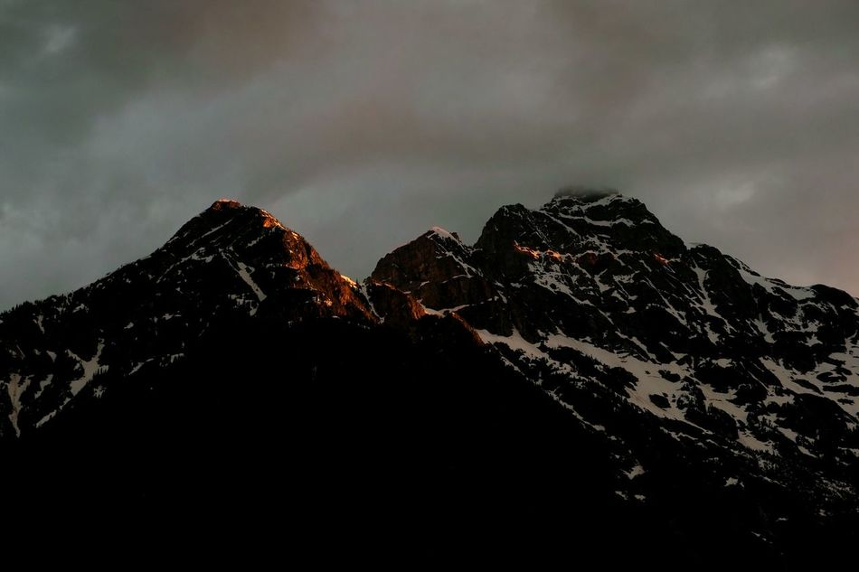 Beauty Cloud - Sky Igniting Outdoors Dramatic Sky Landscape Adventure No People Nature Beauty In Nature Galaxy Sky Outdoor Pursuit Summer Sunset Sunset_collection Mountain Mountains Snowcapped Mountain Sliver Of Light Light And Shadow Glimmer Glimmering Outdoorlife North Cascades