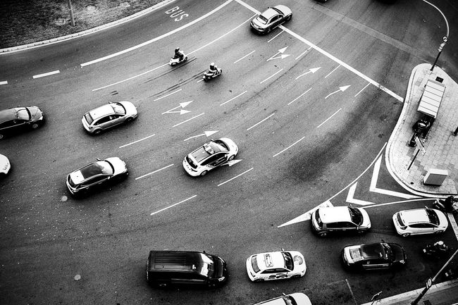 Open Edit Composition Lines And Shapes Urban Landscape Curves Monochrome_life Monochrome Blackandwhite The Street Photographer - 2016 EyeEm Awards Streetphotography Streetphoto_bw Traffic