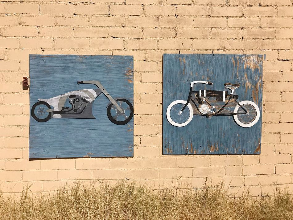 EyeEm Selects Day Outdoors No People Built Structure Building Exterior Architecture Close-up Street Art Motorcycle Wall Wall Art 🇺🇸