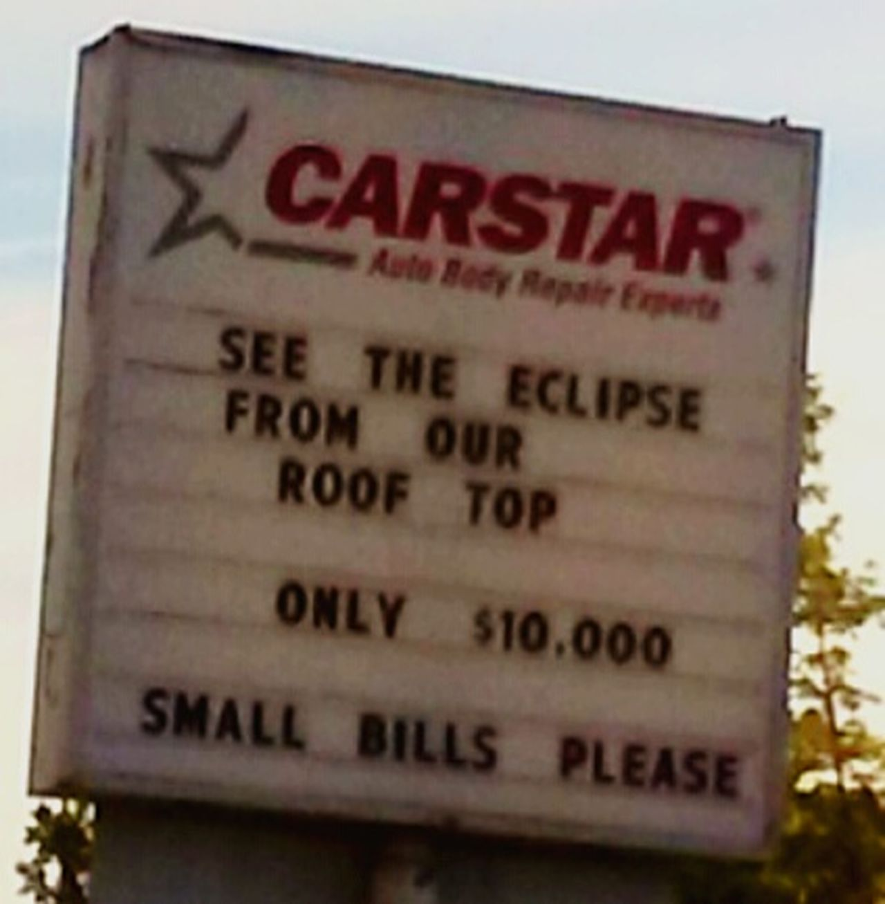In case youre seriously Interested , I thibk this sign could be taken 100% seriousy!!!😂 I can make the arrangements for you - for the low price of $499.95😀😀😀 Text Communication Solar Eclipse 2017 Shits And Giggles Total Eclipse Amazing Event Once In A Lifetime Come One, Come All Come To The Willamette Valley Oregon Unlimited Oregon Fine 100% Totality Funny Signs Comedy Comical Sightings Comical Moments Space And Astronomy Moon Moments Special Events View From The Top Cash Or Credit Per Person Getting Inspired Creative Power Great Ideas Mix Yourself A Good Time
