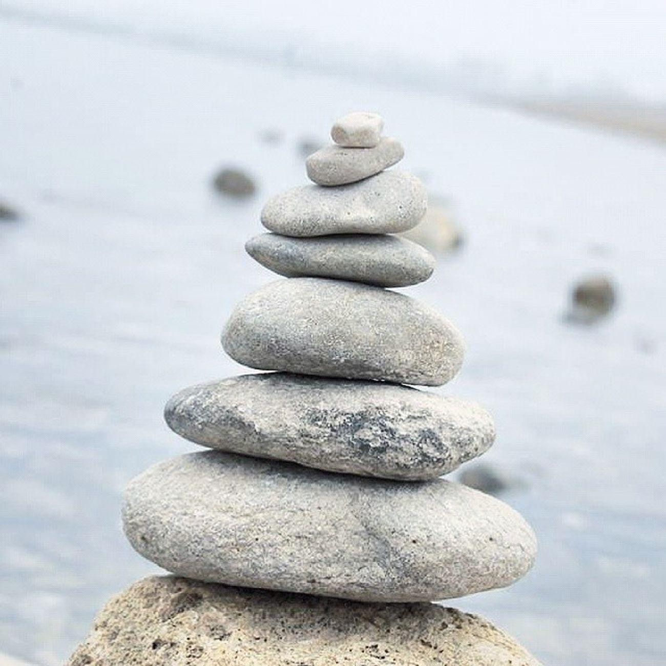 Piedras Alineadas Agua Mar Playa SPAIN Runas