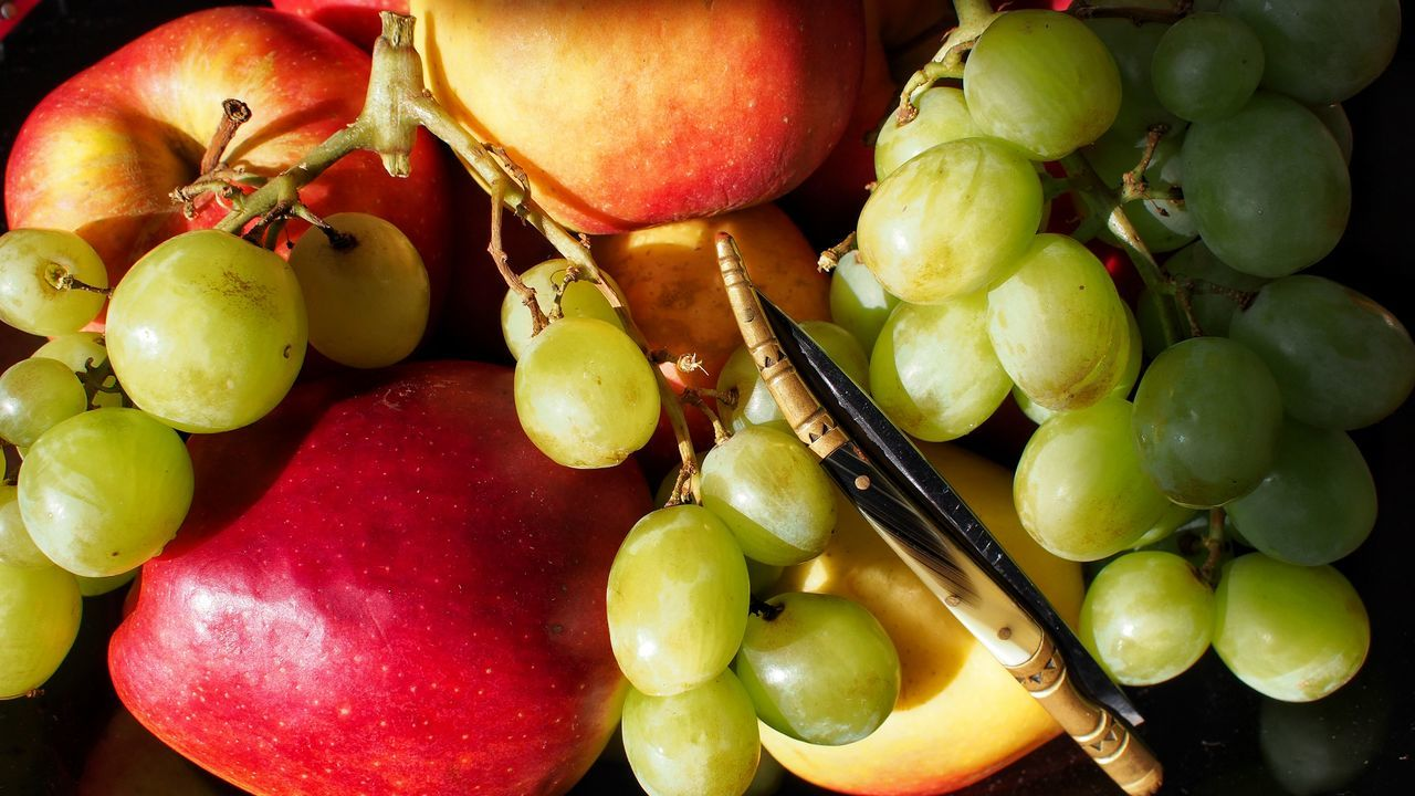 in my kitchen StillLifePhotography Kitchen Art Kitchen Utensils Personal Perspective Inside My Room Fruitporn Fruits ♡ Fruitlover Colour Photography At Home Sweet Home Yummy Yummy Epl5