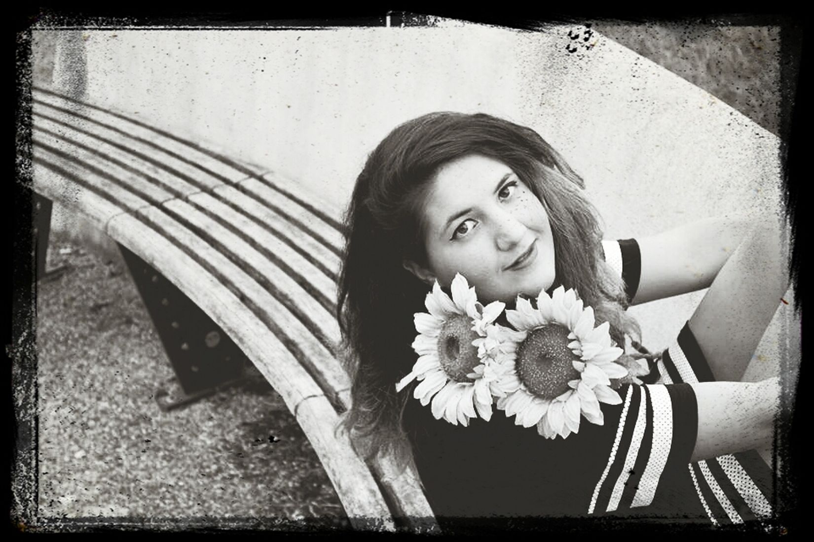 Black and White ? Cheese! MYSELFIE Flowers Bookfoto First Eyeem Photo