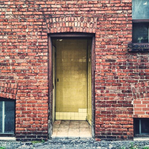 Brick Wall Architecture Door Built Structure Building Exterior No People Outdoors Day Alley Toronto Paint The Town Yellow