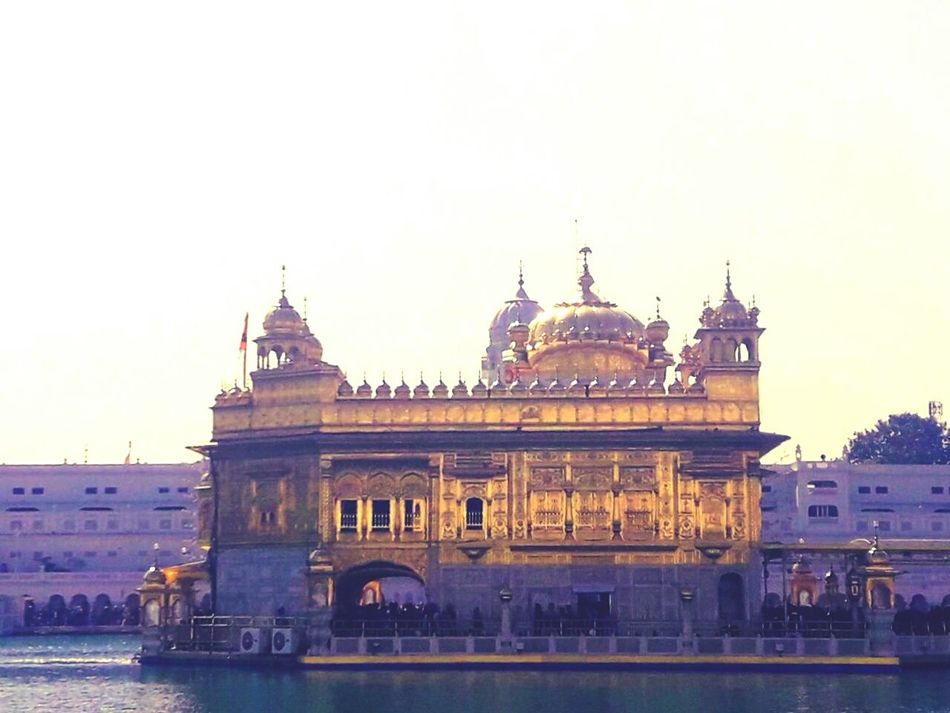 The beautyfull Built Structure Of Golden Temple ...