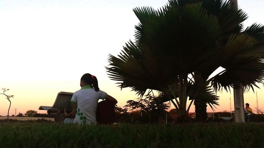 Original Experiences Uma grama verde, um violão na mão e uma leve brisa. ♡ First Eyeem Photo