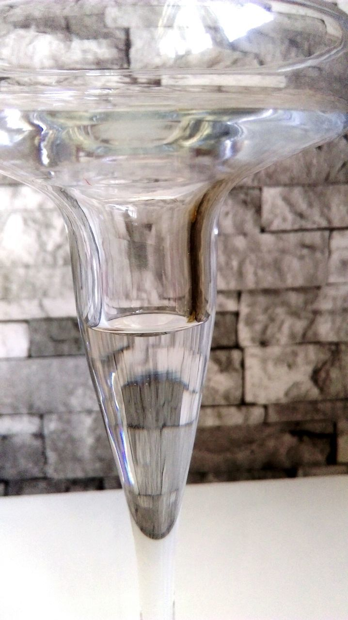 drinking glass, no people, drink, close-up, food and drink, refreshment, drinking water, table, indoors, water, day, freshness