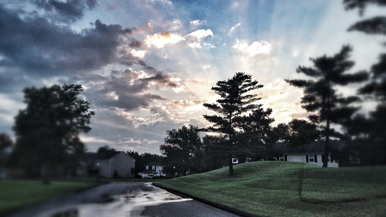Another glimpse of a morning after the storms - may be a sign of hope... then again I LOVE storms... EyeEm Nature Lover Eye4photography  EyeEm Best Edits Sunset #sun #clouds #skylovers #sky #nature #beautifulinnature #naturalbeauty #photography #landscape