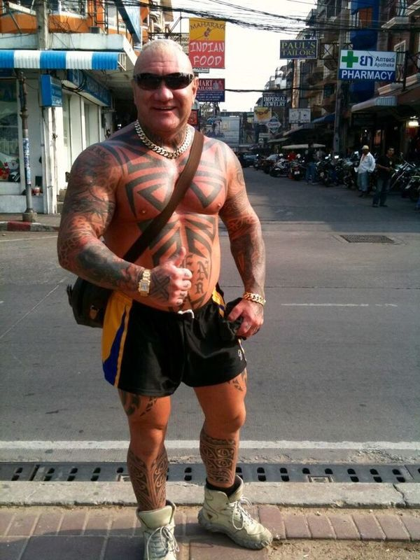 Spotted In Thailand Extraordinary  Tatto Portrait Street Thailand He was conspicuous by far in Thailand🇹🇭 by far my favorite portrait : )