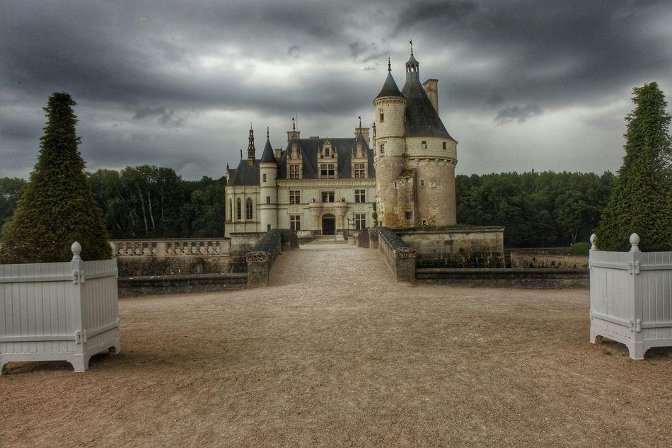 The Adventure Handbook Chenonceau Chateaux Chateau De Chambord Castle Loire Loiret Castles Old Ages King