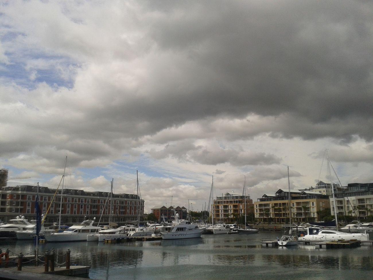 Yachts V & A Waterfront Aquarium