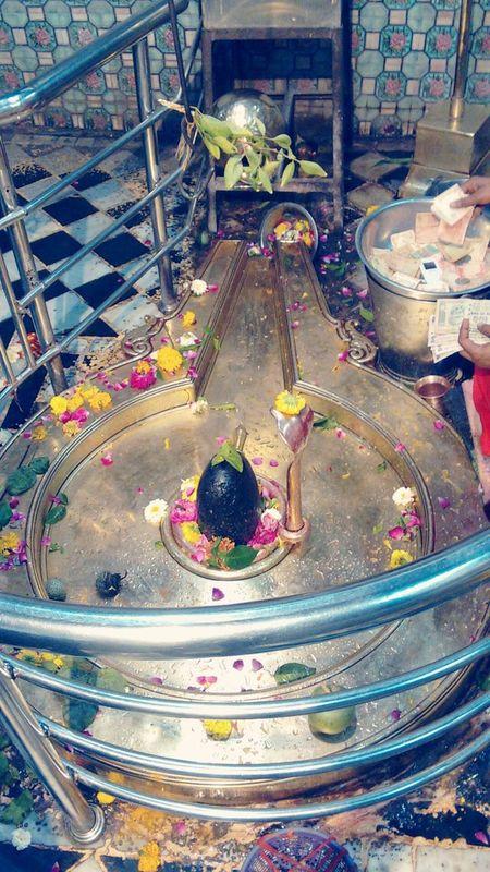 Shivalinga Shiva Temple Shiva God Temple Gold Colored Devotional Time With God Devotion And Love Solotraveler Narmada Omkareshwar