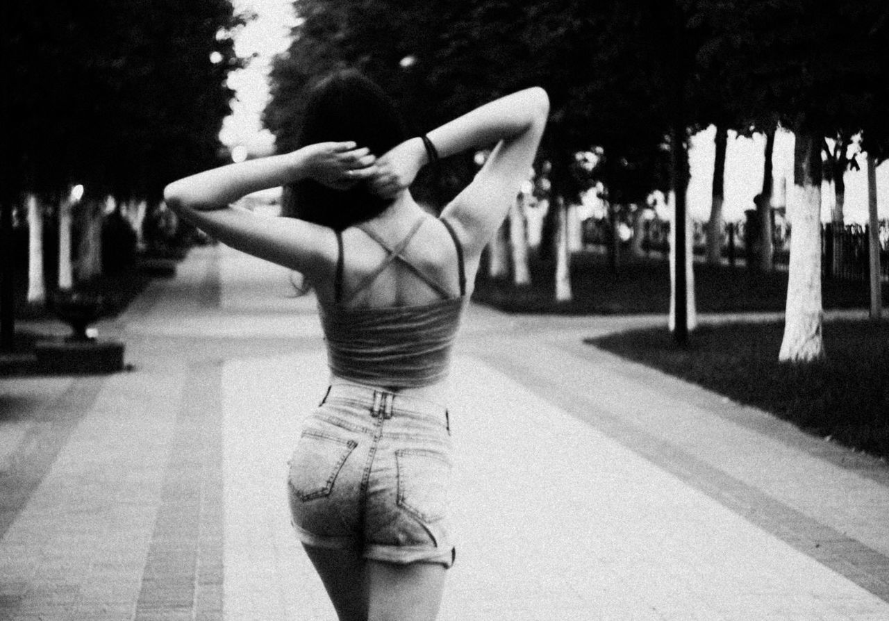 Canon Check This Out Relaxing Hi! Outdoors Enjoying Life Model Forsale Forsalenow Eos1100D 44-2 Black And White Streetphotography Streetphoto_bw Original Photography Nomakeup Beauty Girl Casual Clothing Flmodel Scout Modelscout Personal Perfect Flscout