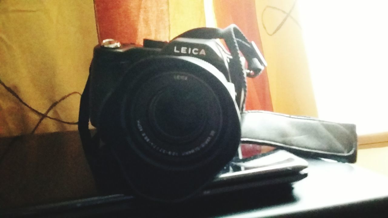 Photography Themes Camera - Photographic Equipment Indoors  Technology Arts Culture And Entertainment Music Photographing No People Close-up Digital Single-lens Reflex Camera Day