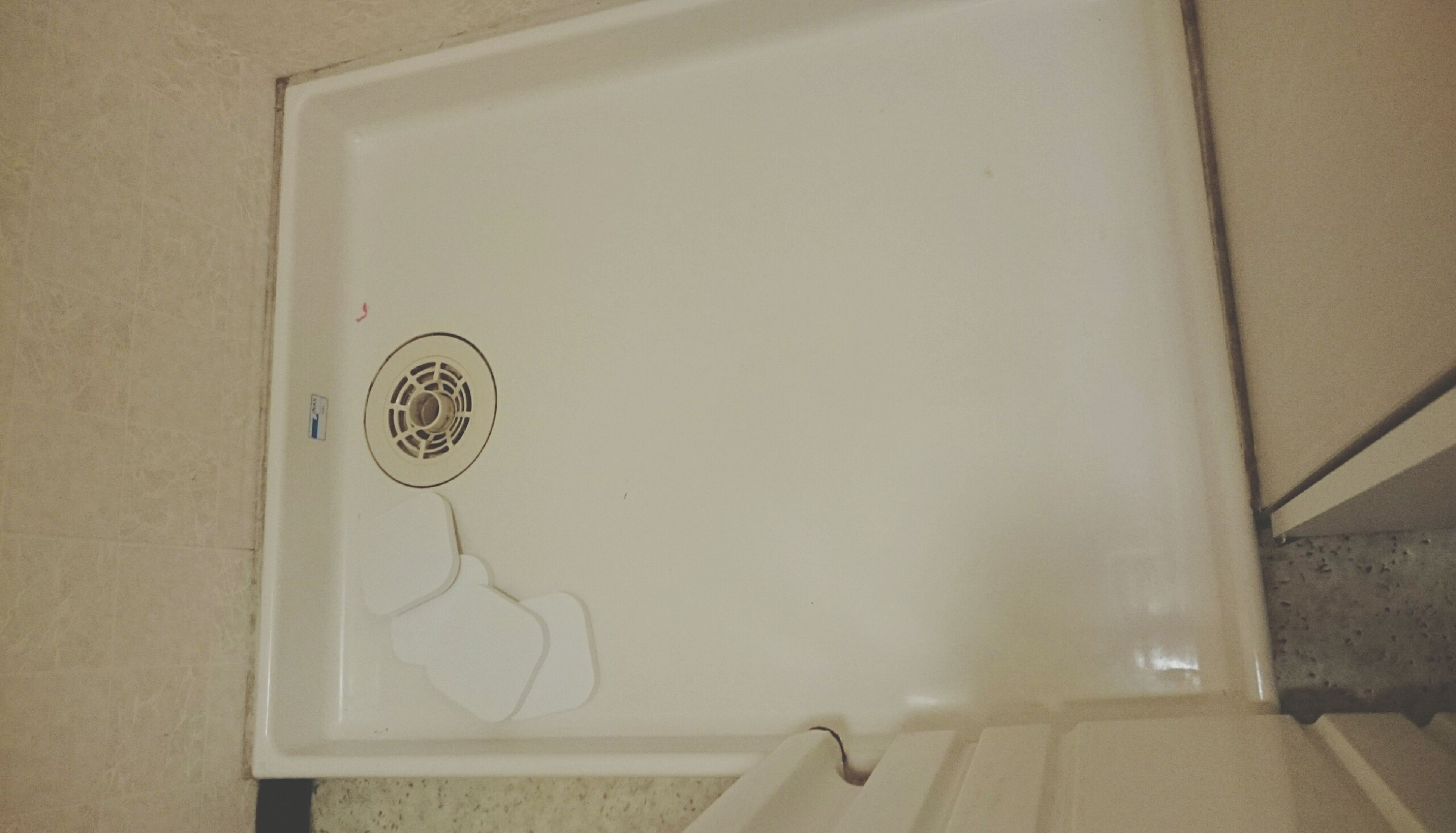 正月前の大掃除! んなわけナイナイ おNEW洗濯機 来るから 16年分の掃除