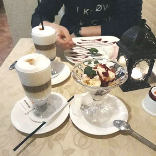 Бла Food And Drink Food Drink Table Indoors  Unhealthy Eating Dessert Plate Restaurant Sweet Food Indulgence Refreshment Human Body Part Ready-to-eat Drinking Glass Freshness Serving Size People Adult Celebration First Eyeem Photo