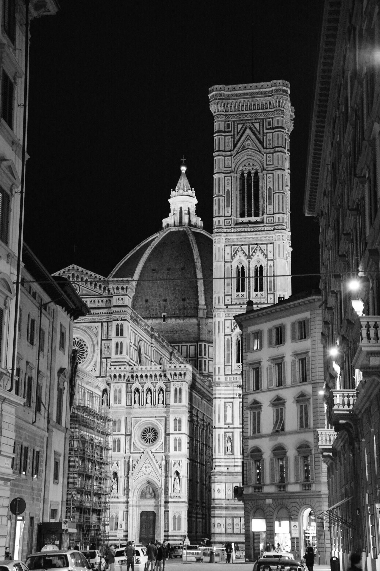Cattedrale S. Maria del Fiore - Firenze b&w Nikon Architecture Cattedrale Di Santa Maria Del Fiore Cattedral Duomo Di Firenze Firenzebynight Firenzemadeintuscany Ti Racconto Firenze Monochrome Night B&w Photography NikonD5200 Eyeemphotography NikonLife The White Collection Black And WhiteBlack And White Collection  Nikonphotographer D5200 Black And White After Dark Cattedraledisantamariadelfiore CA Cities At Night Traveling Home For The Holidays The Architect - 2017 EyeEm Awards The Street Photographer - 2017 EyeEm Awards