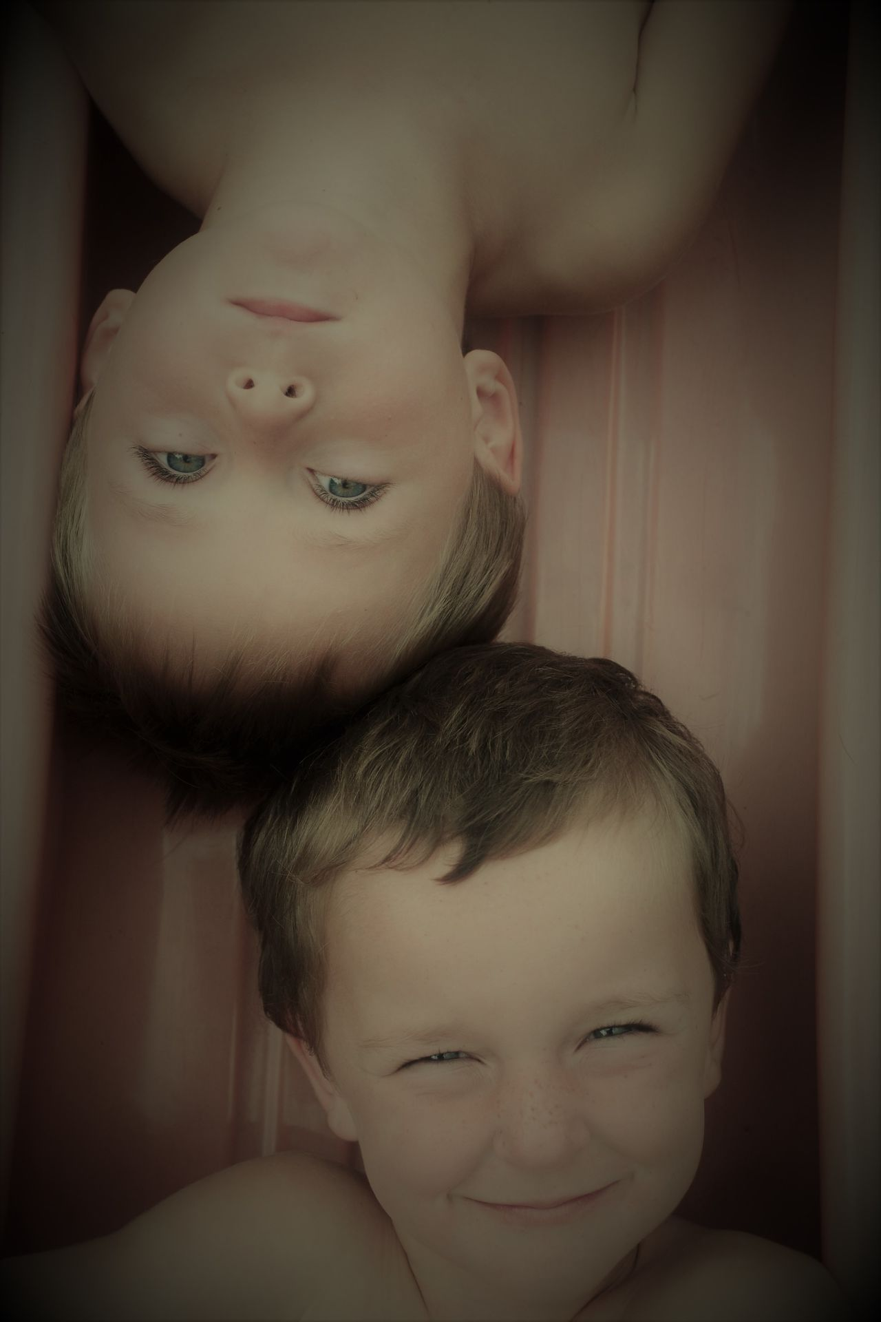 Bonding Boys Childhood Close-up Cute Day Double Trouble Elementary Age EyeEm Best Shots Eyeemnaturelover EyeEmNewHere Family Family With One Child Fresh On Eyeem  Happiness Leisure Activity Looking At Camera Portrait Real People Smiling Son Togetherness TWINS ♥ The Portraitist - 2017 EyeEm Awards
