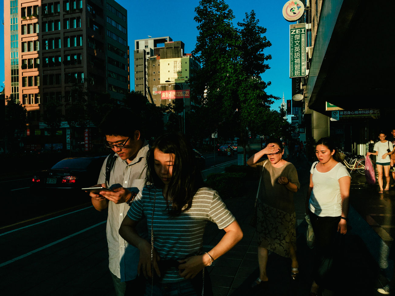 Da-an District, Taipei, 2016 Candid Everybodystreet IPhone IPhoneography Librarymook Mobilephotography Shadows Streetphotography Taipei Taiwan