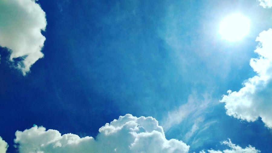 Awesome Sky #brightsun #bluesky #whiteclouds #awesome #sky #sunday #jakarta #dec31 Cloud - Sky
