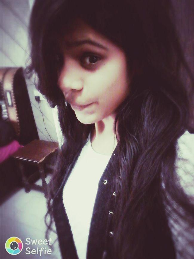 Black And White Collection  Smokyeyes Smile!naaww Crushissues Hairstuff Yeah Yeah EYEEM Yeah Yeah  Luvmyslf ❤