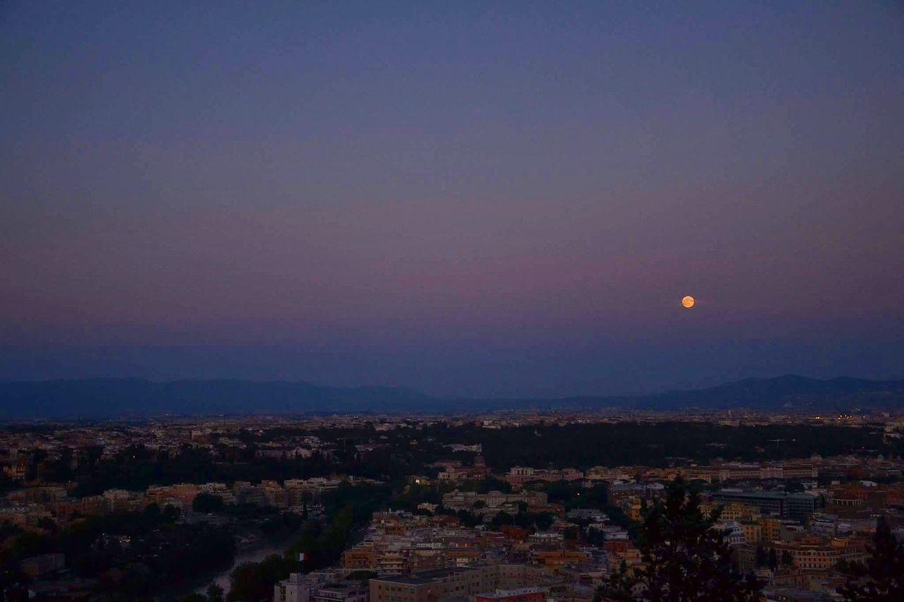 City Night Outdoors Scenics Astronomy Sky Roma Rome Italy🇮🇹 Rome, Italy EyeEm Nature Lover EyeEm Best Shots Eyeemphotography EyeEmBestPics Men Moon Moonlight Zodiaco