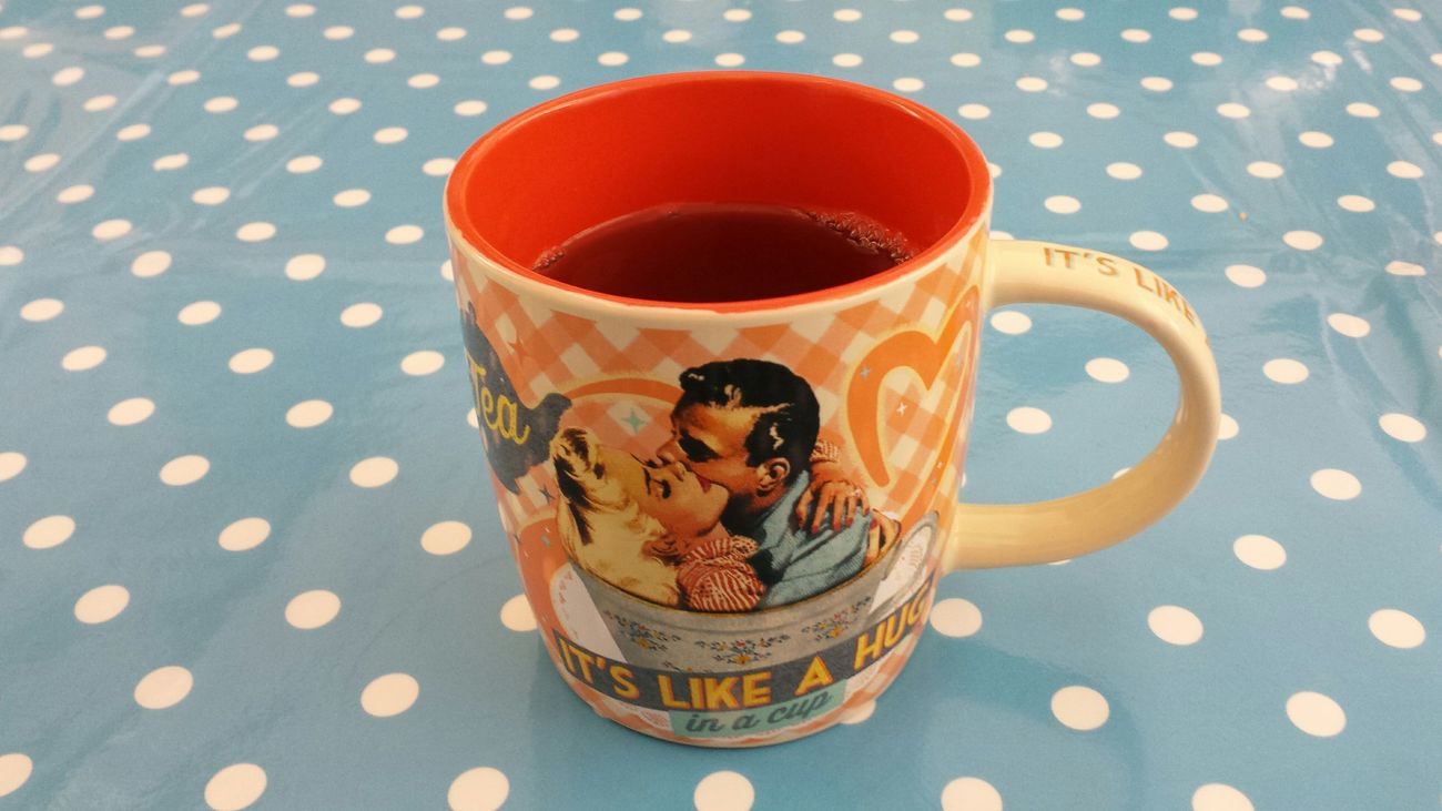 It's tea time! - Hug you all my friends! 😉 Hanging Out Tea Time Sixties The Purist (no Edit, No Filter)