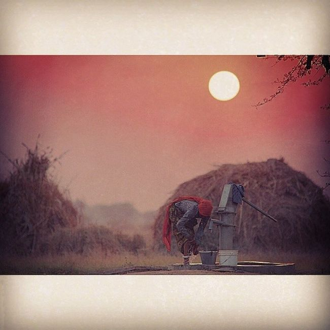 Indian Women Beautiful Winter Rajasthan Indiaphotosociety Instalike Instagood Instadaily Instamood Best  Beauty Indiapictures Sunset Golden Magical Magichour Bestoftheday Rural_love Rural Ruralbeauty Gorgeous Gypsy Gypsylife Gypsygirl beautifulrajasthan beautifuljaipur