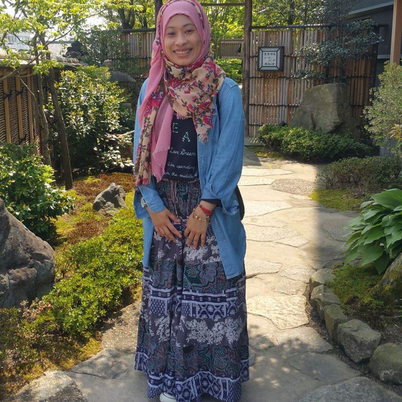 Ke caffe teh jg kebun teh hijau Macha Aiyamacha Cafetea Tehhijau Japan Muslim Musliminjapan Hijabmuslimah Hijab Livinginjapan Nishio Aichi Lovejapan Nikkeiijin Aceh Acehjapan Indonesiajapan