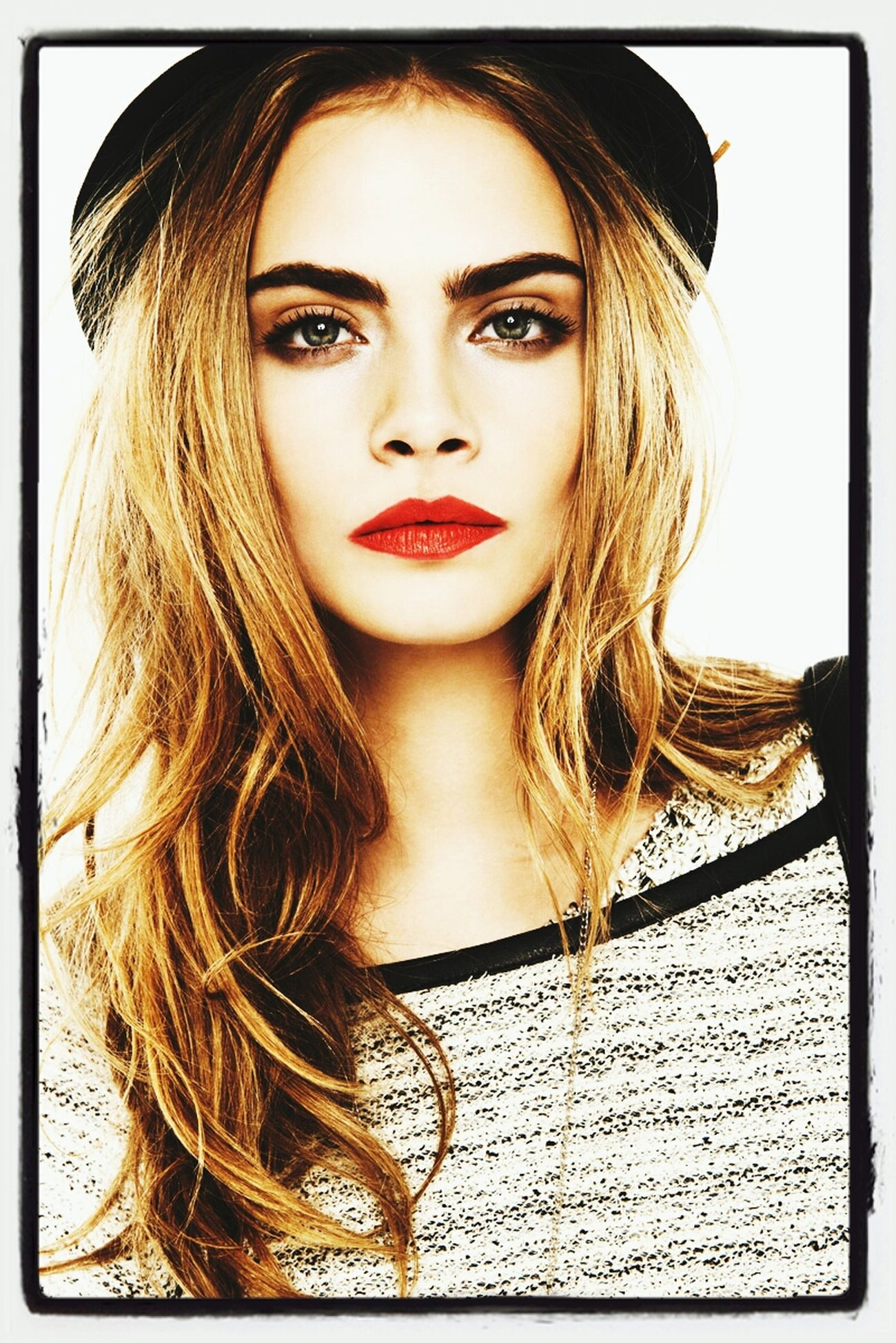Cara Delevingne It Girl British Beautiful Fashion