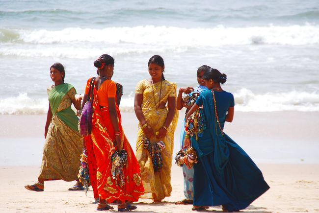 Girl Power India Indian Indian Girls At The Beach On The Beach Sellers Beachlife Beachphotography Beach Colours Colourful Clothes Sari Girls Fun Talking Talking Pictures Business Businesswoman Business As Usual Business People Business Life Showcase June People Together Women Around The World The Portraitist - 2017 EyeEm Awards The Great Outdoors - 2017 EyeEm Awards Live For The Story Connected By Travel
