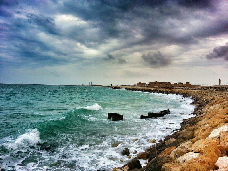 آوقاتي بقربك ، موسيقى نآدره جداً ، لآ يمكن نسخها ولآ تسجيلها ، ولآ حتى آعادة عزفها Aljubail AlJubail Beach. With My Friends Beach Clouds And Sky Rainy Days الجبيل المارينا