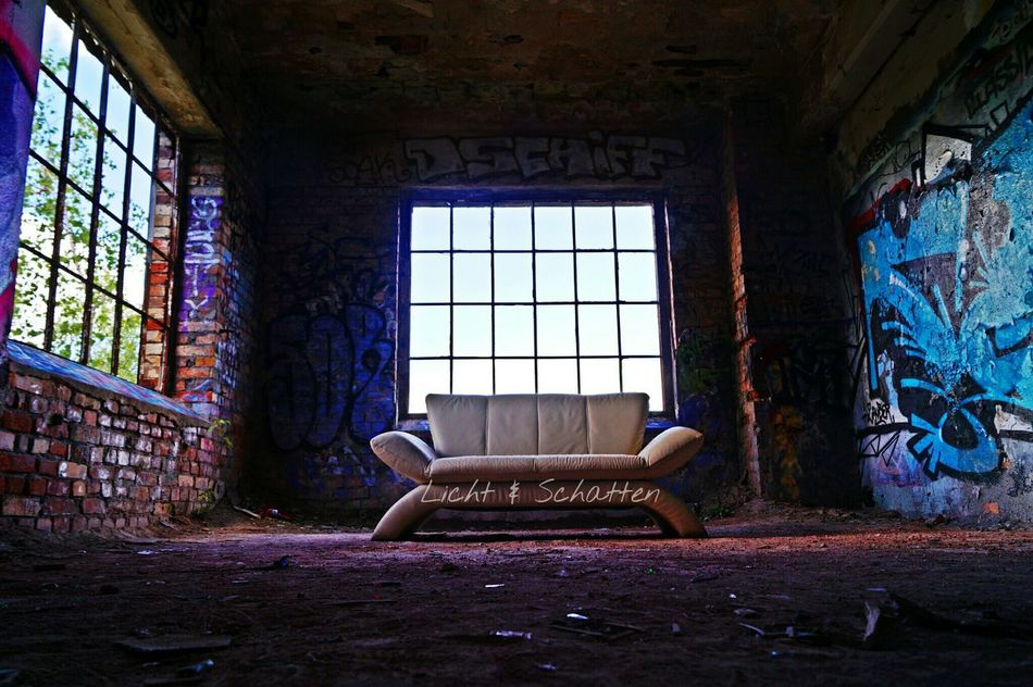 Couch Germany Lostplaces Lostplacegermany Paperfactory Graffiti