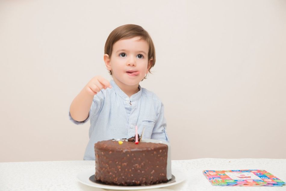 Beautiful stock photos of geburtstag,  2-3 Years,  Arms Outstretched,  Birthday,  Birthday Cake