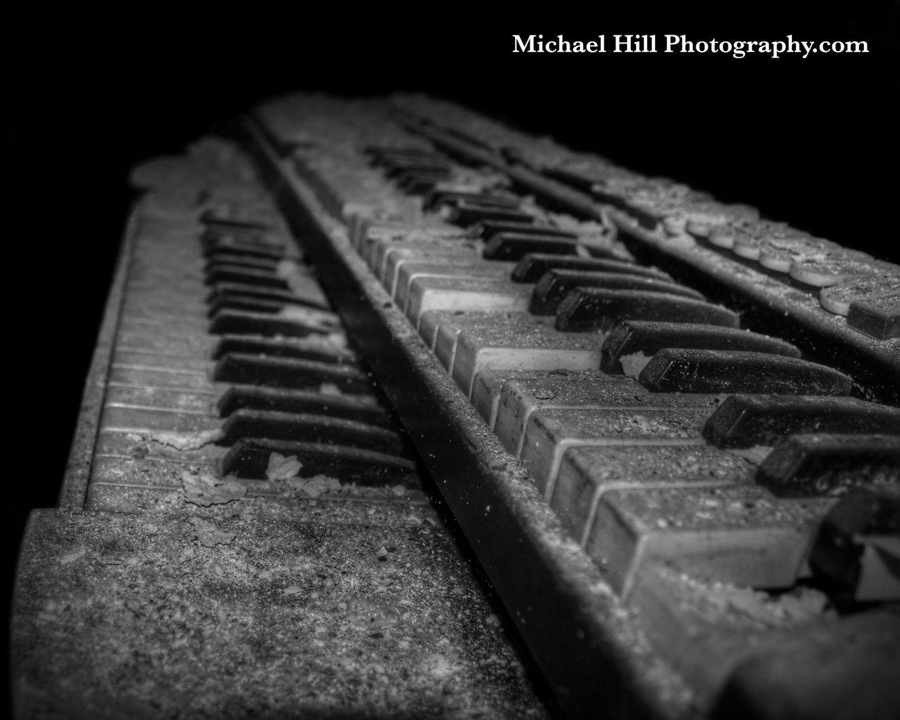 🎹 EyeEm_abandonment Urban Exploration Urbex Abandoned Blackandwhite Capture The Moment