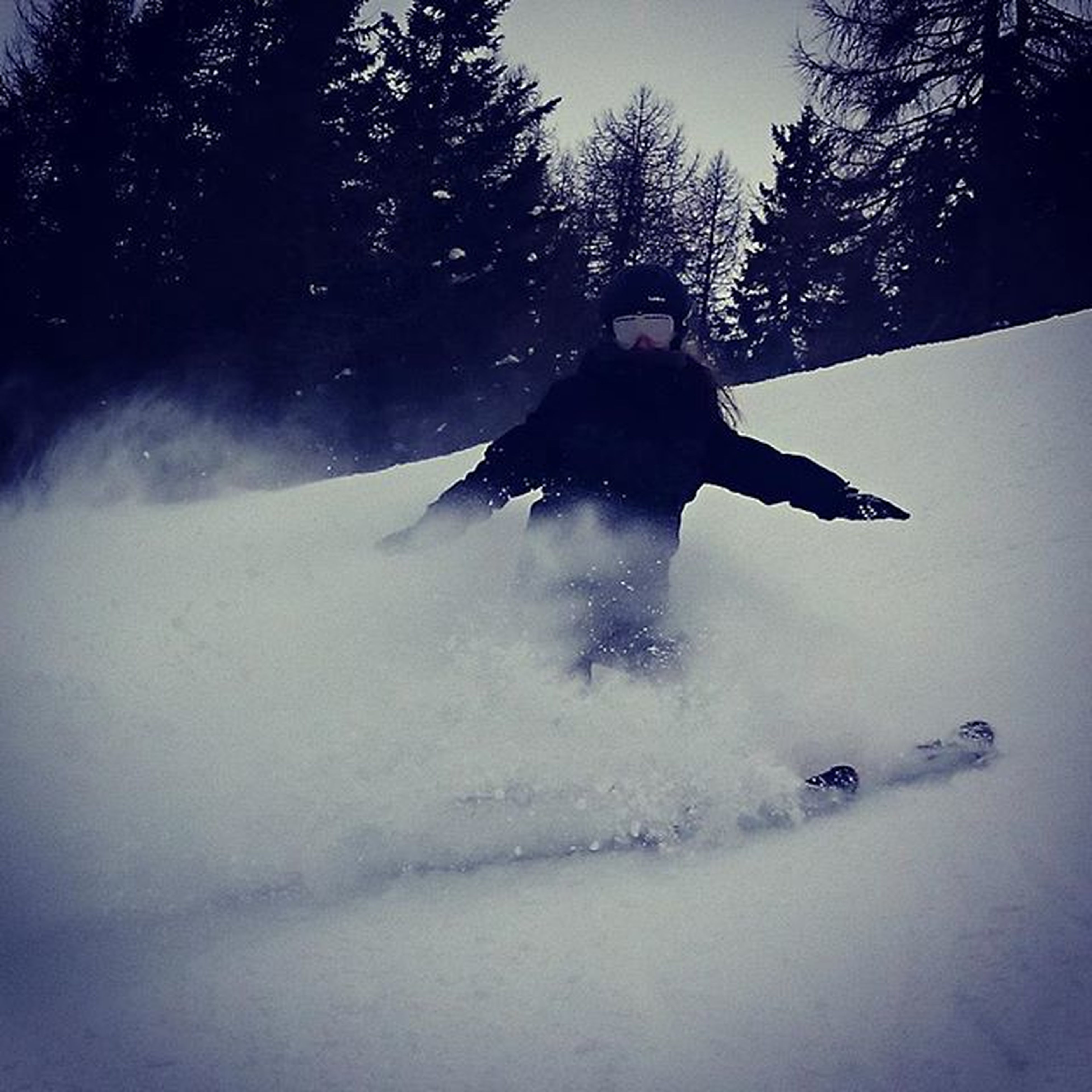 lifestyles, leisure activity, full length, winter, snow, cold temperature, young adult, motion, season, weather, jumping, men, mid-air, front view, young men, person, extreme sports, enjoyment