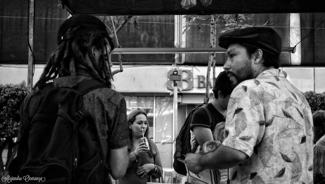 Bebiendo por la Nariz Real People Adult Urban Social Photographie  Photos Guadalajara Guadalajara Jalisco Photography People Mexico Photo Black & White B&w Photographer Blsckandwhite Blake_and_white Black And White Photography Blackandwhitephotography Store Street City Day Work